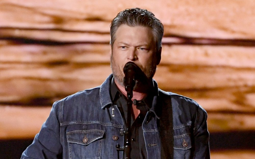 Blake Shelton Delivers Stormy 'God's Country' at 2019 ACM Awards