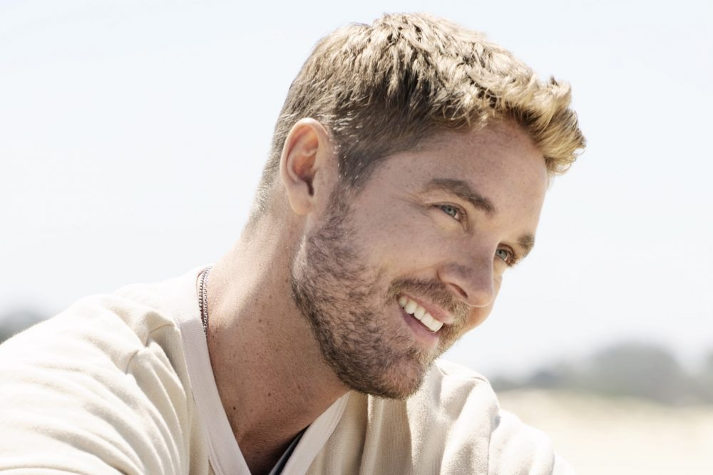 Brett Young Scores Fifth No.1 Single With 'Here Tonight'