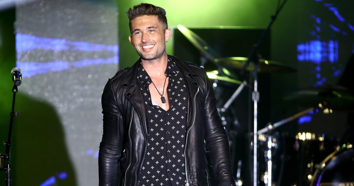 Michael Ray Takes 'One That Got Away' to No.1
