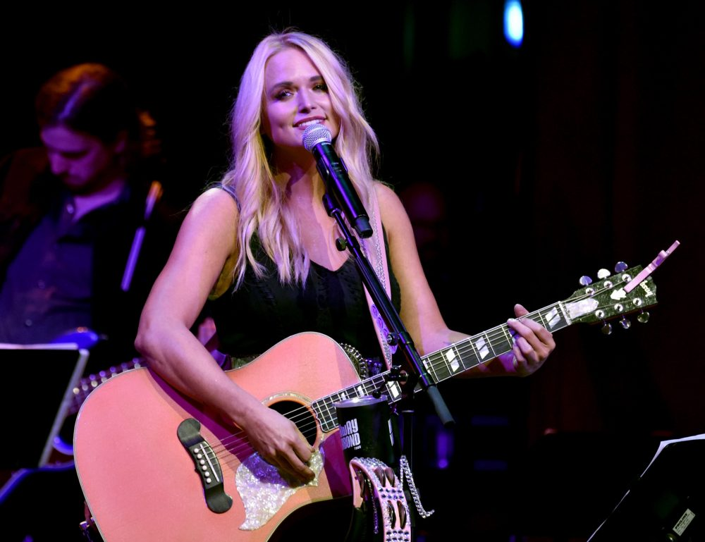Miranda Lambert Reveals All-Female Cast of 2019 Roadside Bars Tour