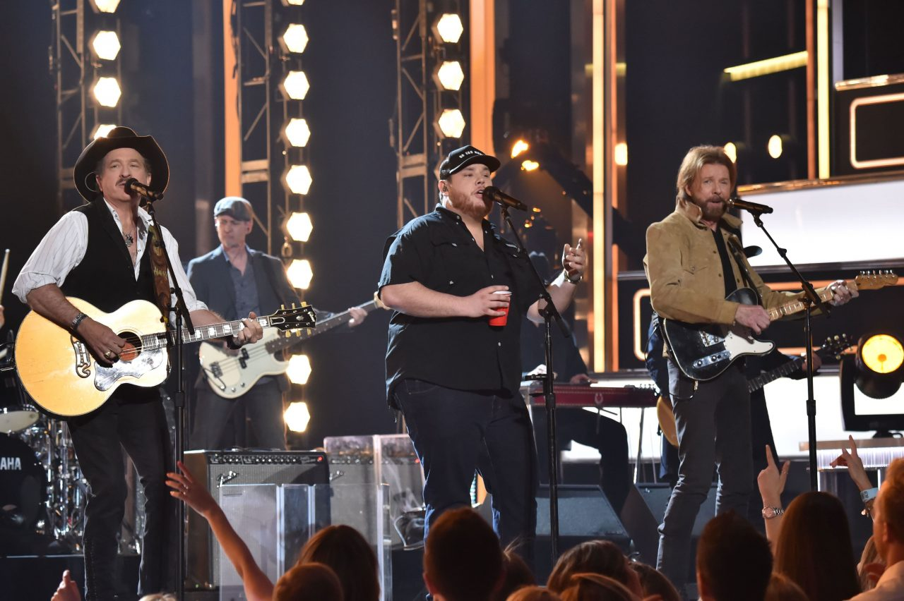 Brooks & Dunn Invite 'Reboot' Collaborators for CMT Crossroads Taping