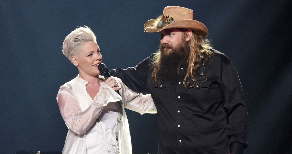 Watch pink and chris stapleton sing 39 love me anyway 39 in - Chris stapleton scarecrow in the garden ...