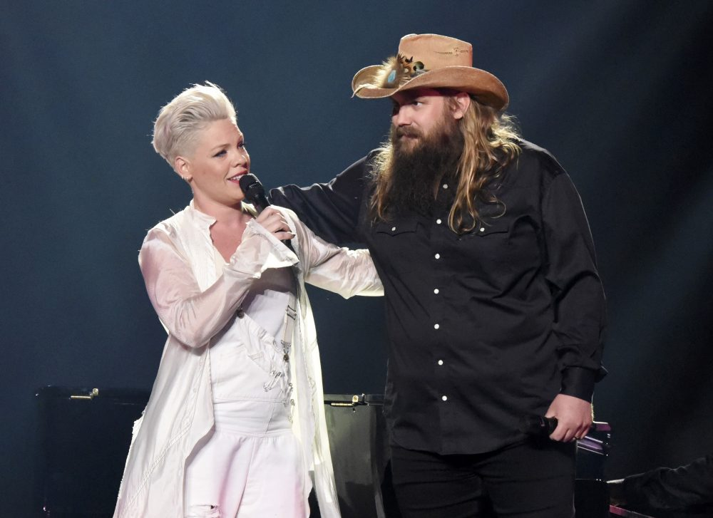 Watch Pink and Chris Stapleton Sing 'Love Me Anyway' in New York City