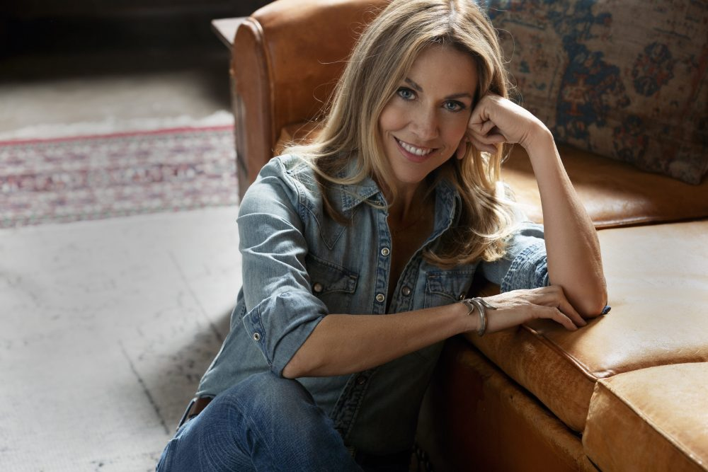 Sheryl Crow Teams with Bonnie Raitt and Mavis Staples for 'Live Wire'