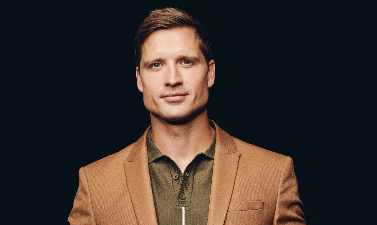 Walker Hayes Imagines a Bittersweet Future in 'Don't Let Her'