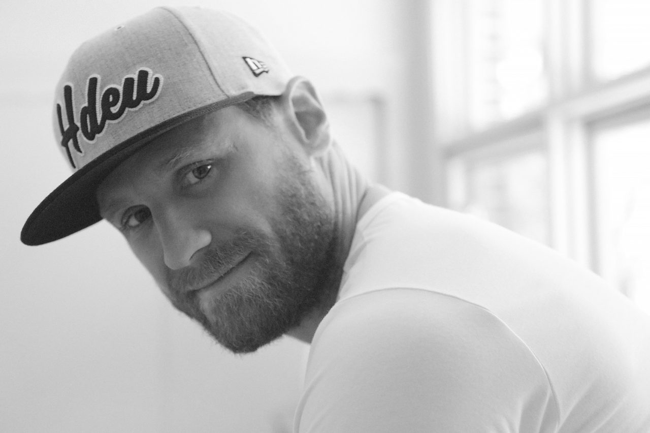 Chase Rice Debuts Steamy 'Lonely If You Are' at CMA Fest