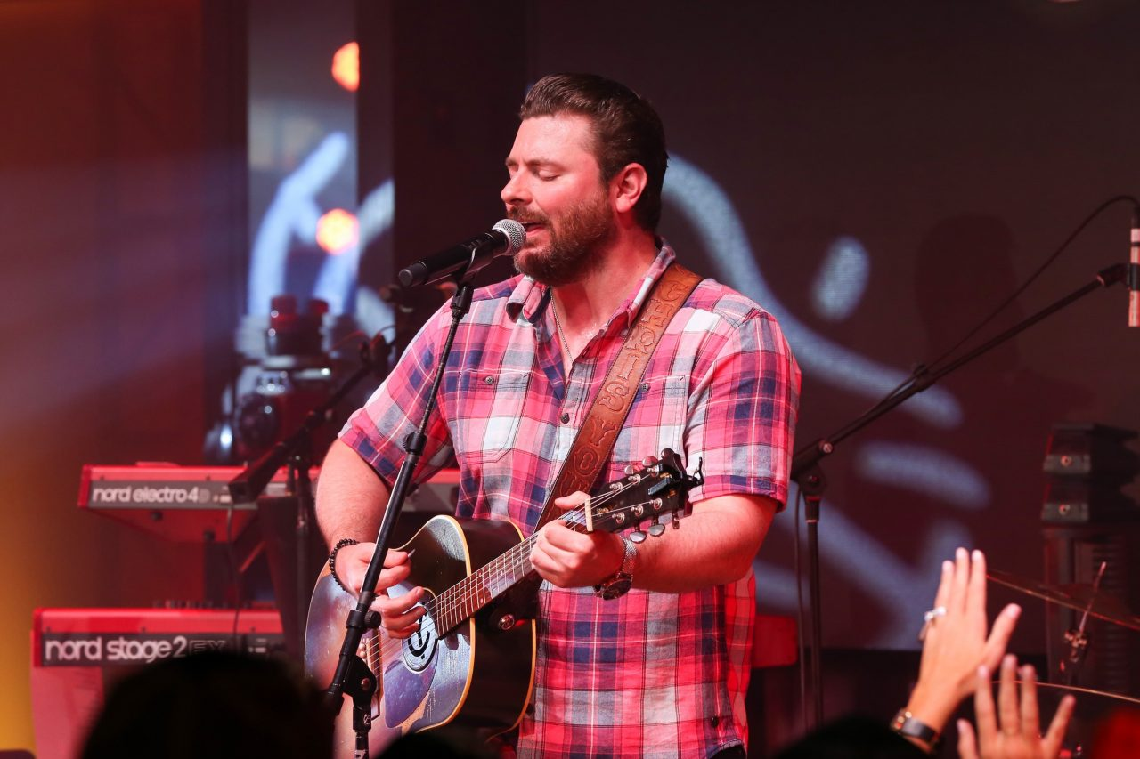 Chris Young Gets Personal on Deeply Moving New Single, 'Drowning'
