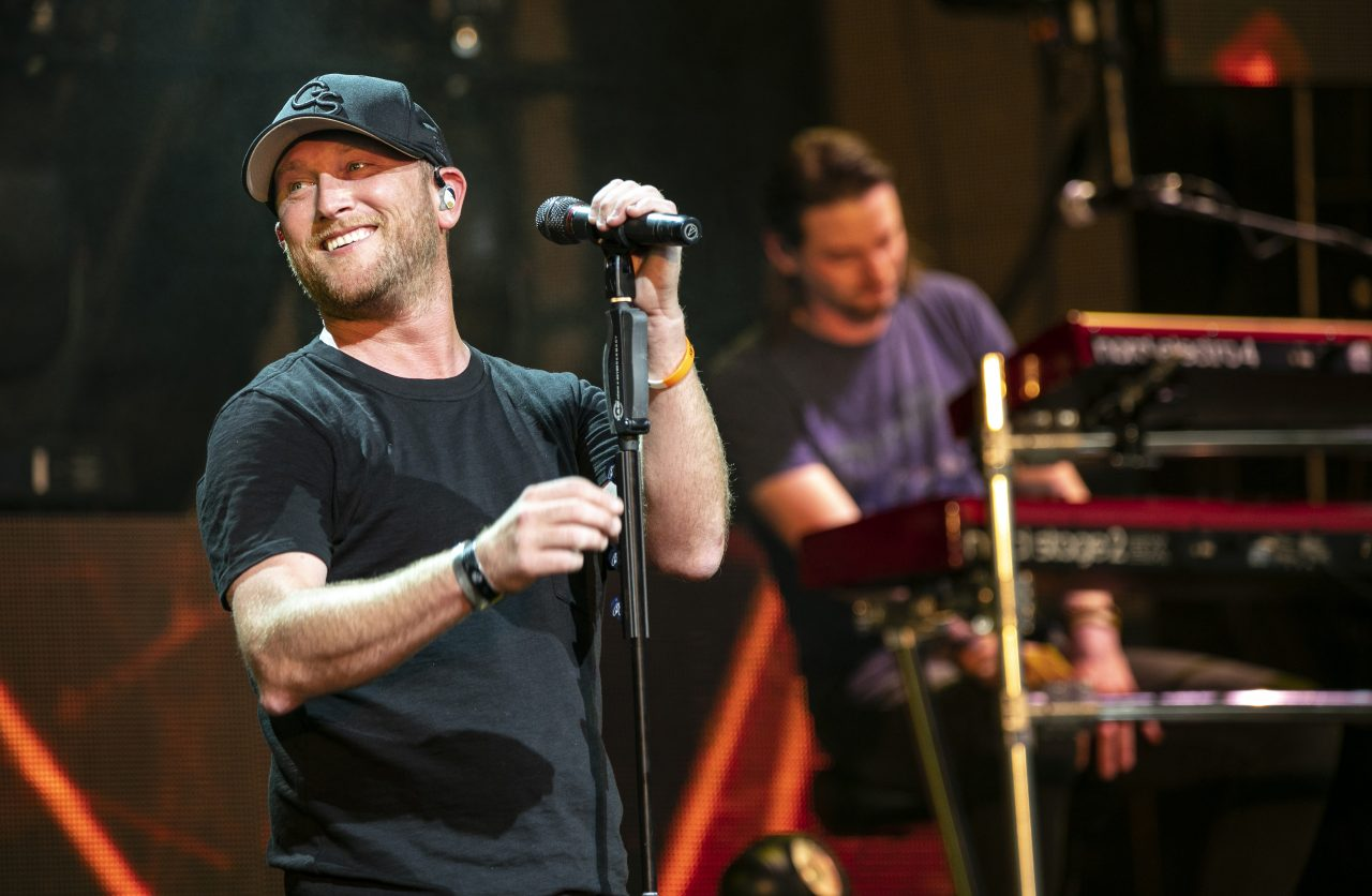 Cole Swindell Clocks In With Party Ready 'Drinkin' Hours'