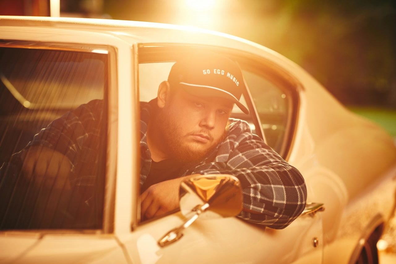 Luke Combs Goes South of the Border for New Track 'Moon Over Mexico'