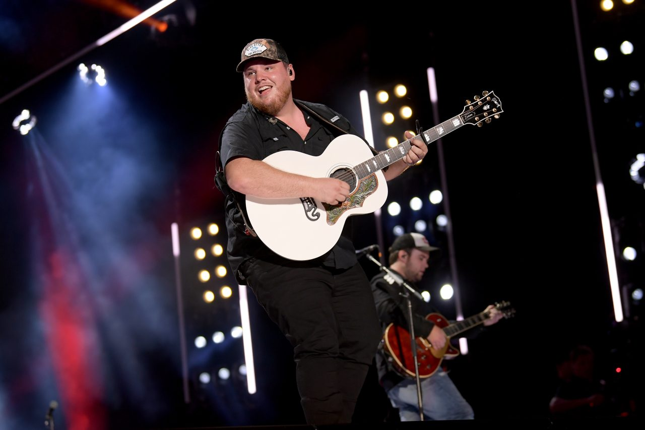 Luke Combs Shares Track Listing For 'What You See Is What You Get'