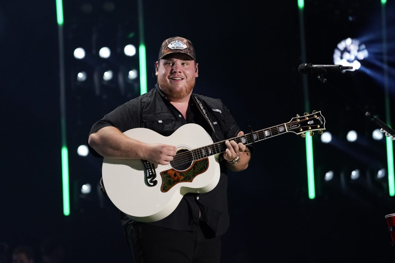 Luke Combs Adds Dates to Beer Never Broke My Heart Tour