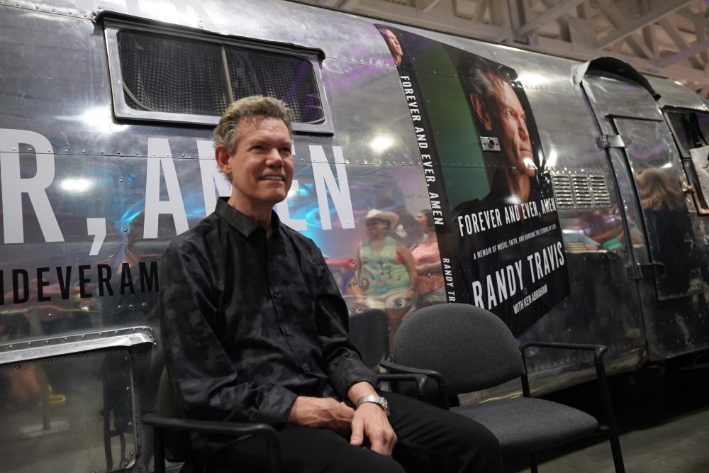 Randy Travis Cancels Most of Recently Announced Comeback Tour