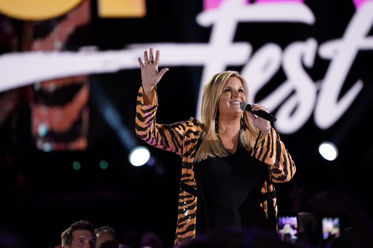 Trisha Yearwood Plots Every Girl On Tour Dates