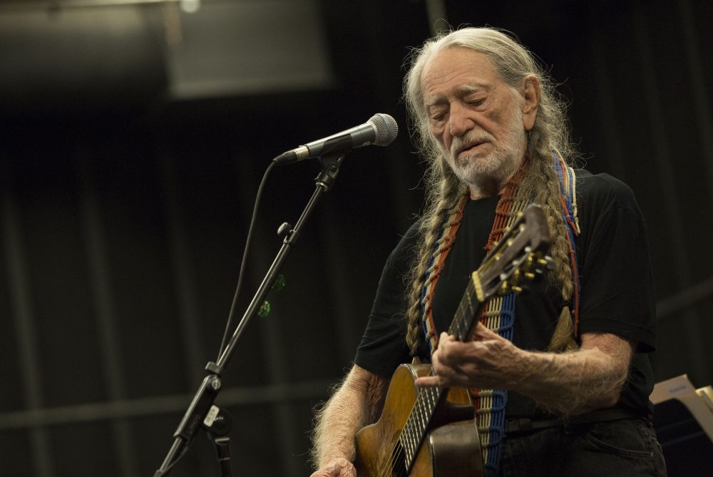 Willie Nelson Announces Virtual Lineup of 35th Farm Aid