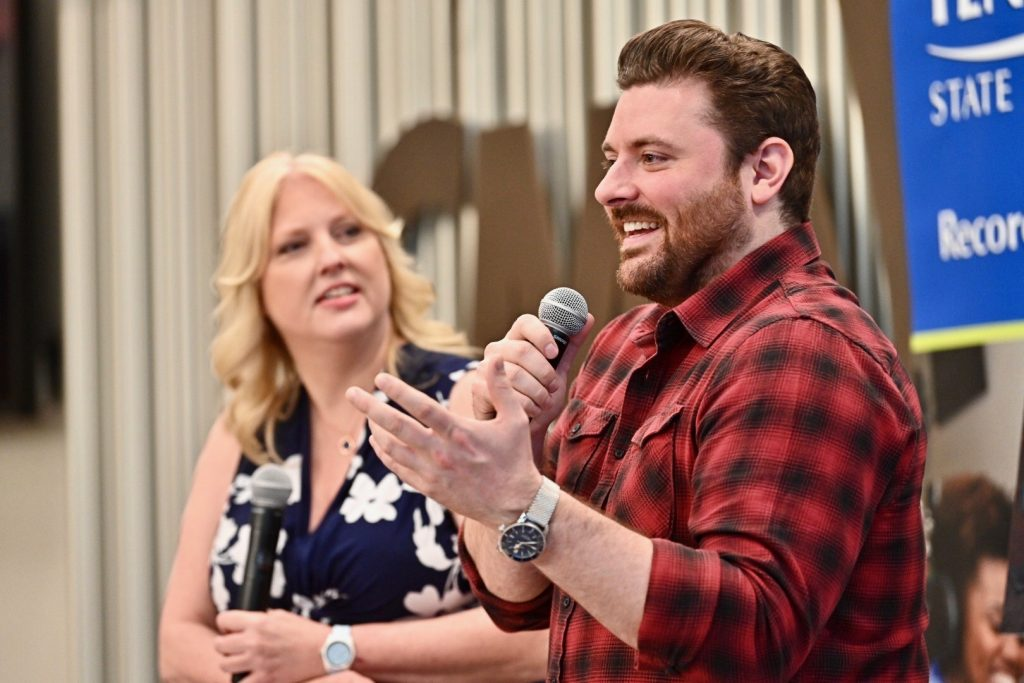 Multi-platinum country artist Chris Young, a former MTSU student, talks with Recording Industry department chair Beverly Keel about his continued support of his alma mater. (MTSU Photo by J Intintoli)