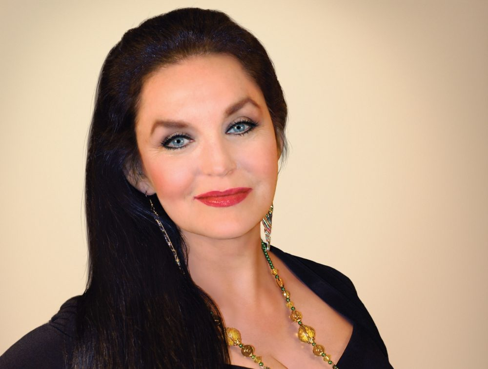 Crystal Gayle Returns with New Album of Classic Songs