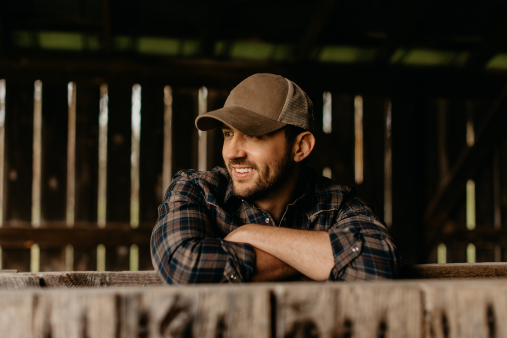 Drew Baldridge Tells The Story Of His Upbringing In New Anthemic Single, 'Middle of Nowhere Kids'
