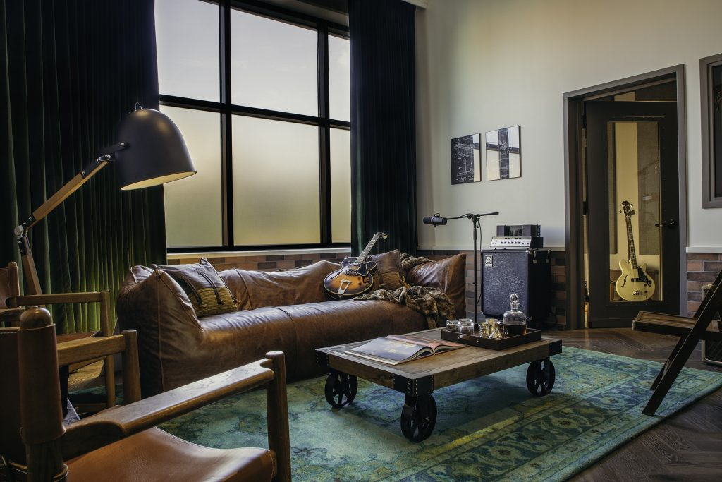 Hutton Hotel Writing Room (Designed by Ryan Tedder); Photo credit: Katie Kauss