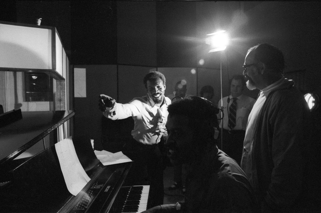 SHEFFIELD, AL - NOVEMBER 24: R&B and Soul singer Wilson Pickett (left) and producer Jerry Wexler (right) chat while recording at the Muscle Shoals Sound Studio on November 24, 1969 in Sheffield, Alabama. (Photo by Michael Ochs Archives/Getty Images)