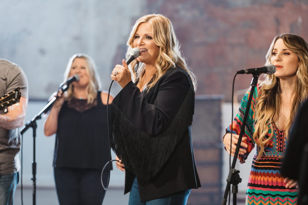 Trisha Yearwood Gives CMA Awards Advice to New Artists