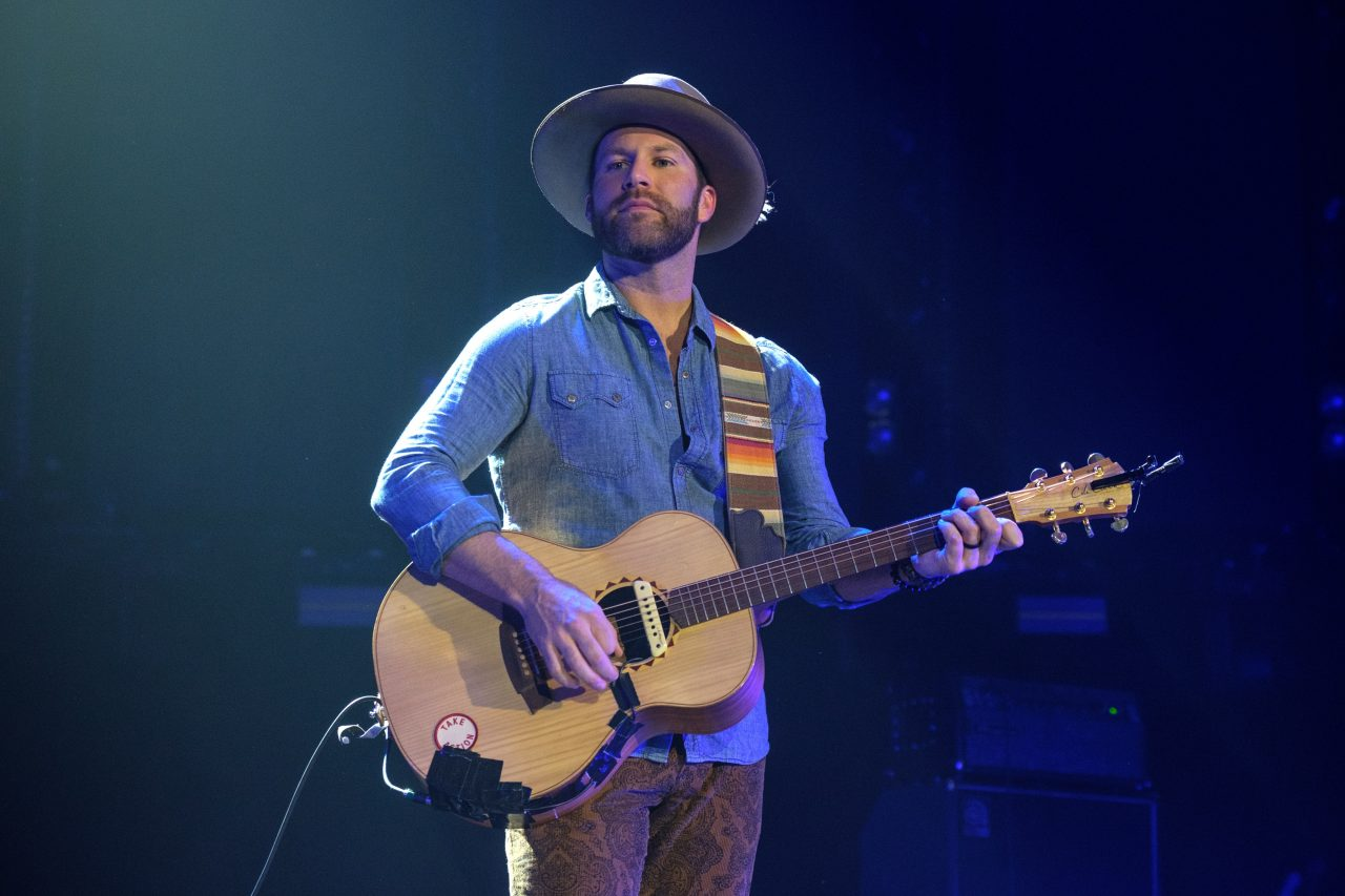 Drake White Reveals Medical Condition After Scary Moment Onstage