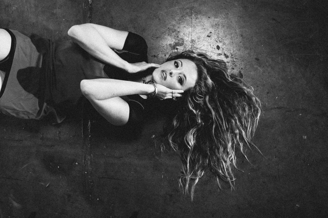 Emily Hackett Explores Regret in Acoustic 'Easy' Video