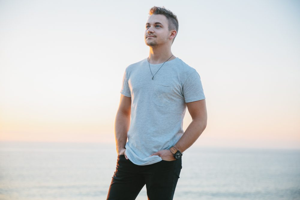 Hunter Hayes Takes Flight With 'Wild Blue (Part 1)' Album