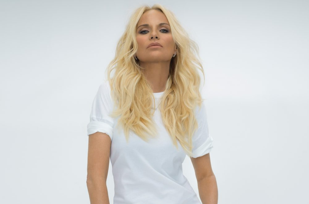 Kristin Chenoweth Enlists Dolly Parton, Reba For New 'For The Girls' Album