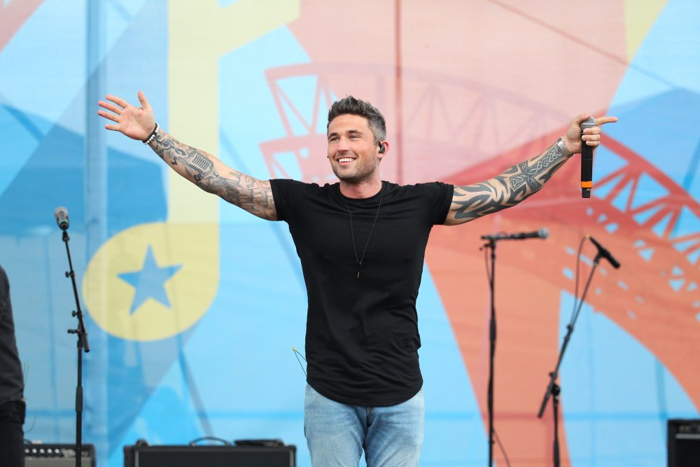 Michael Ray To Headline CMT On Tour With Special Guests Jimmie Allen And Walker County