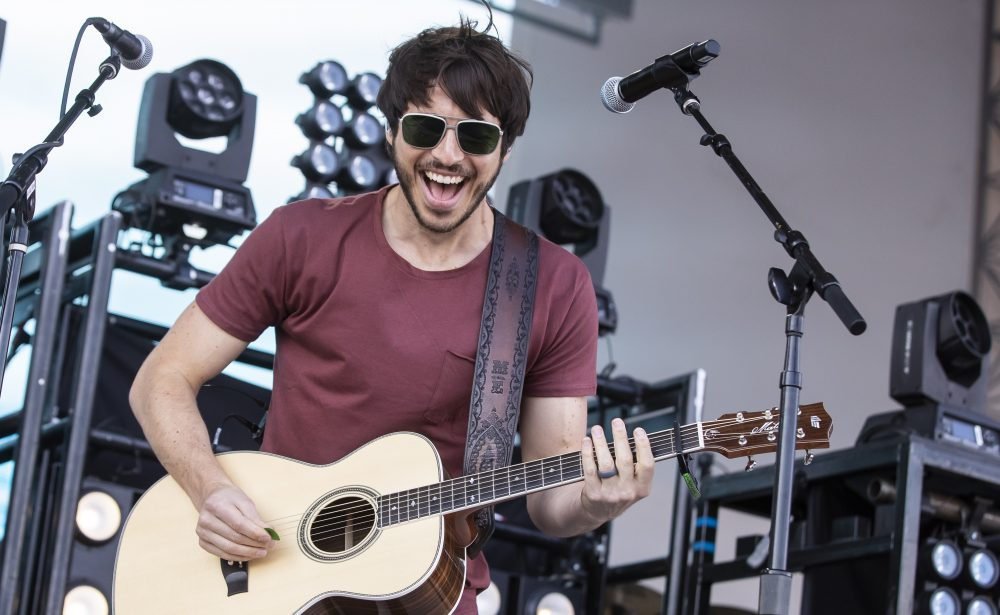 Watch Morgan Evans Mind-Bending 'Day Drunk' Video