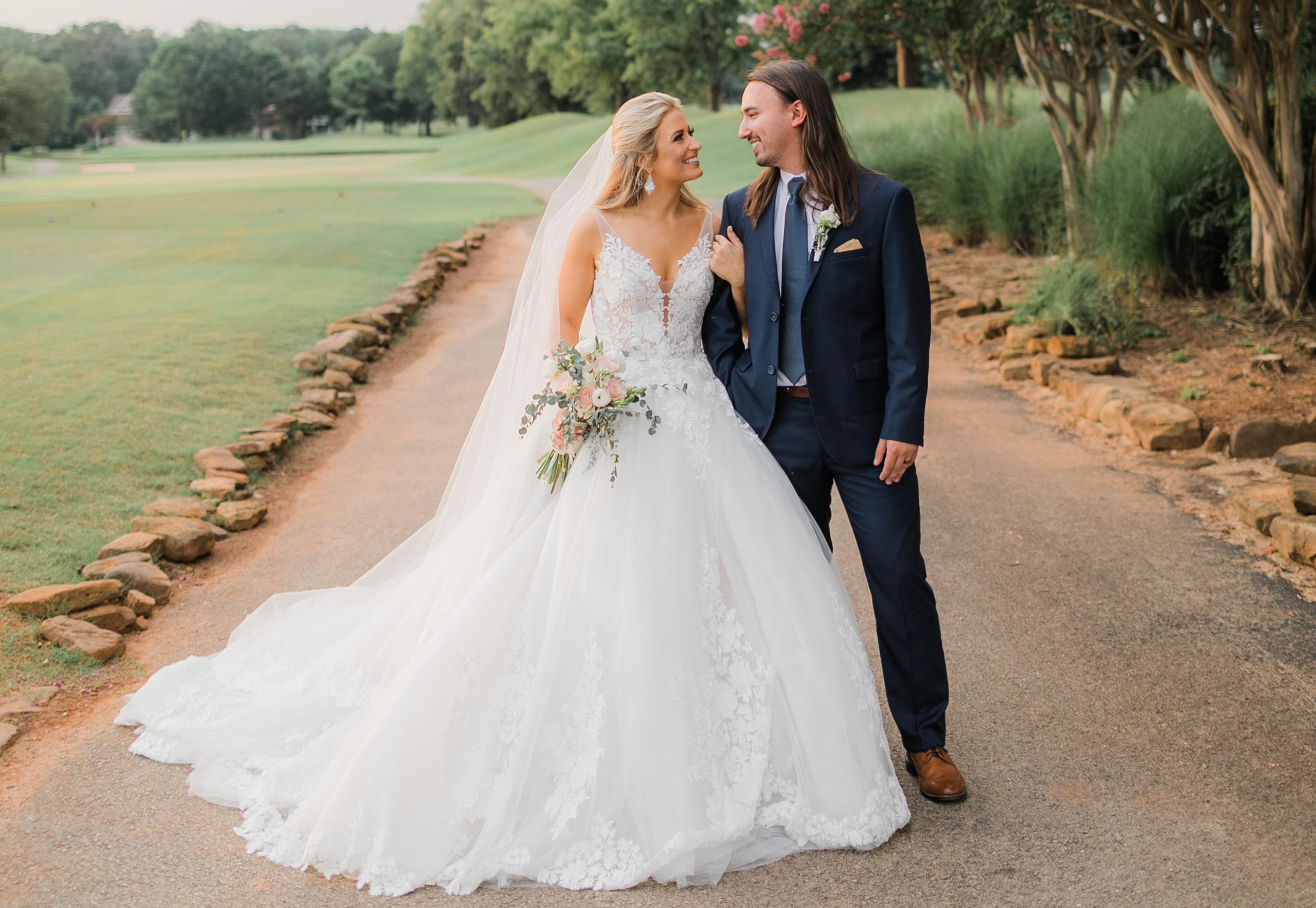 Rachel Wammack S Wedding Dress Designer Talks About Creating The Singer S Dream Dress Sounds Like Nashville