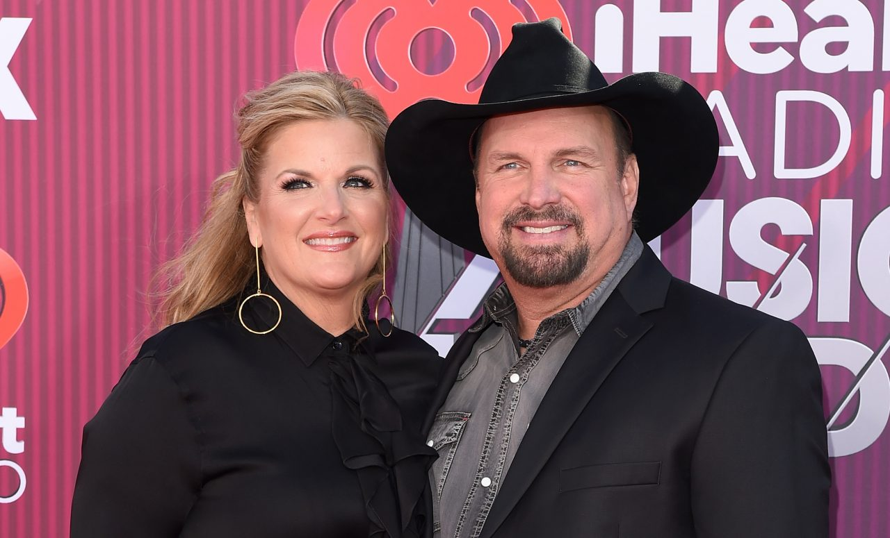 Trisha Yearwood and Garth Brooks Duet on Sultry 'What Gave Me Away'