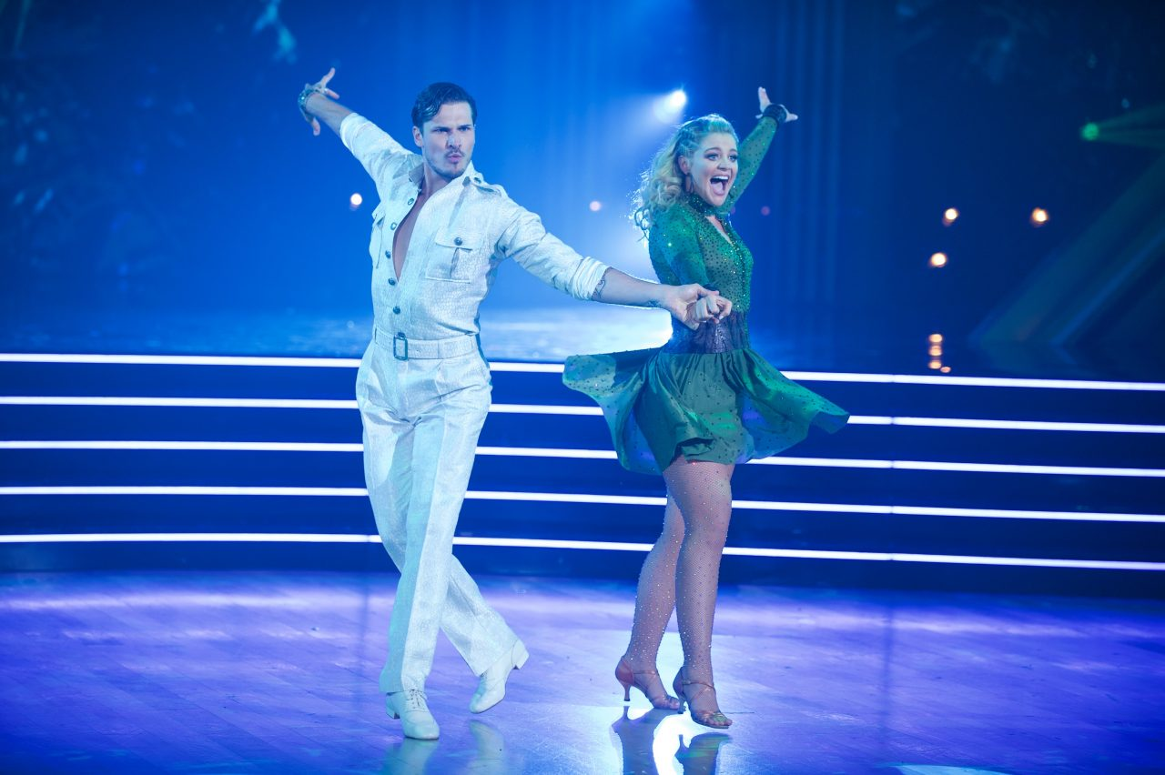 Dancing With The Stars: Lauren Alaina Cha-Chas Her Way Into America's Heart on Season Premiere