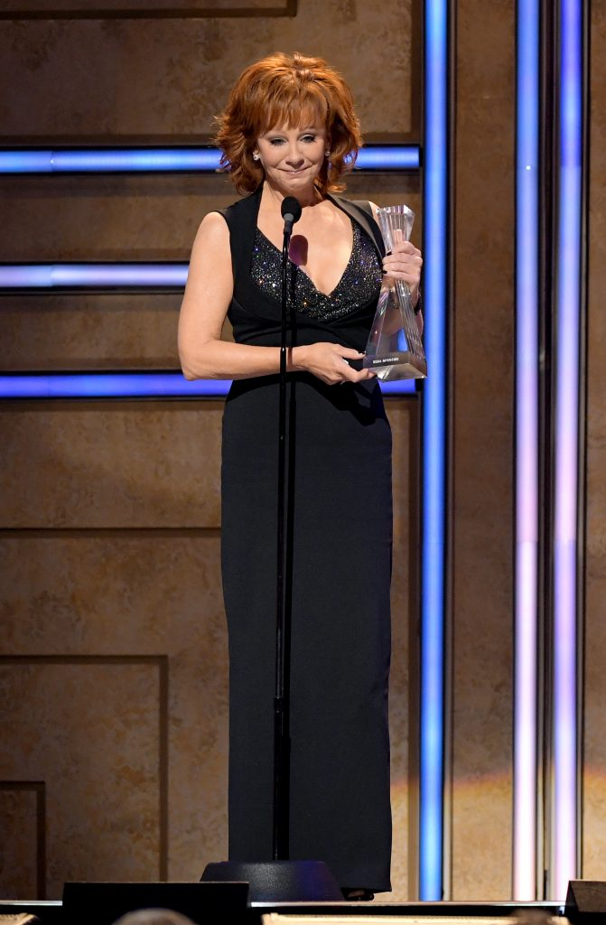 Reba McEntire accepts an award onstage during the 2019 CMT Artist of the Year (Photo by Jason Kempin/Getty Images for CMT/Viacom)