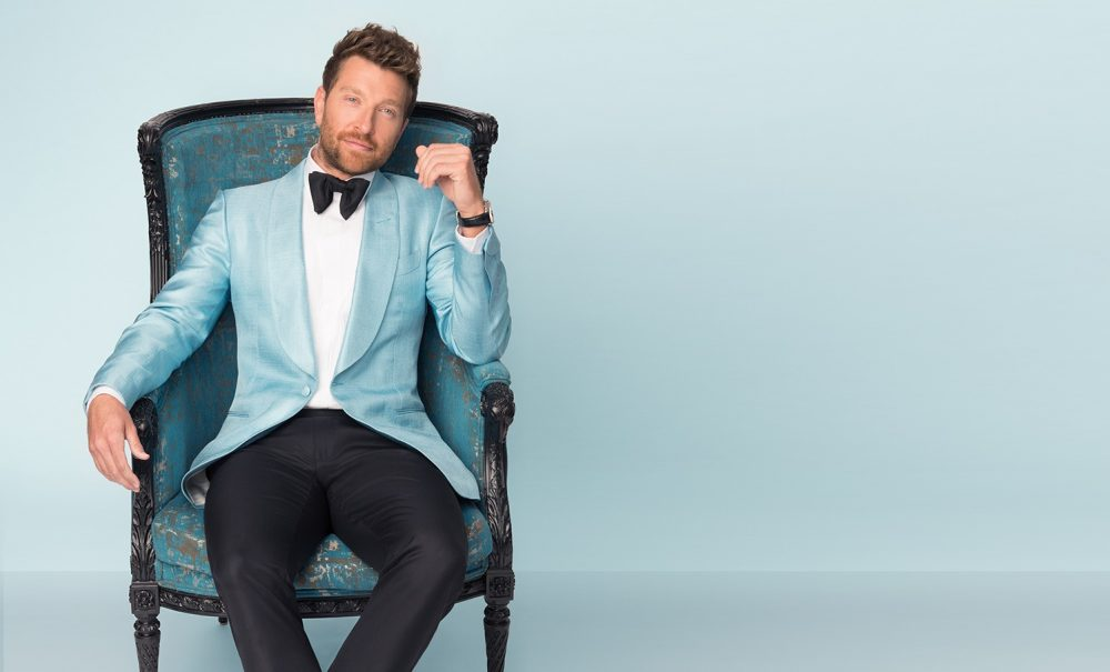 Brett Eldredge to Unwrap Early Christmas Gift With Glow Tour 2019