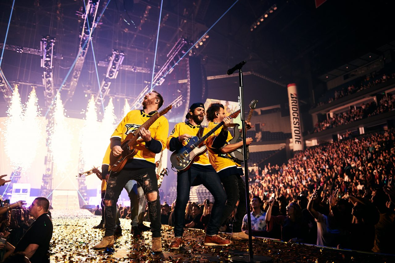 The Greatest Showman: Thomas Rhett Concludes Very Hot Summer Tour With Vibrant Show In Nashville