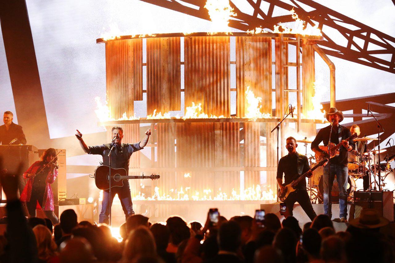 Blake Shelton Ignites CMA Awards With Fiery 'God's Country' Performance