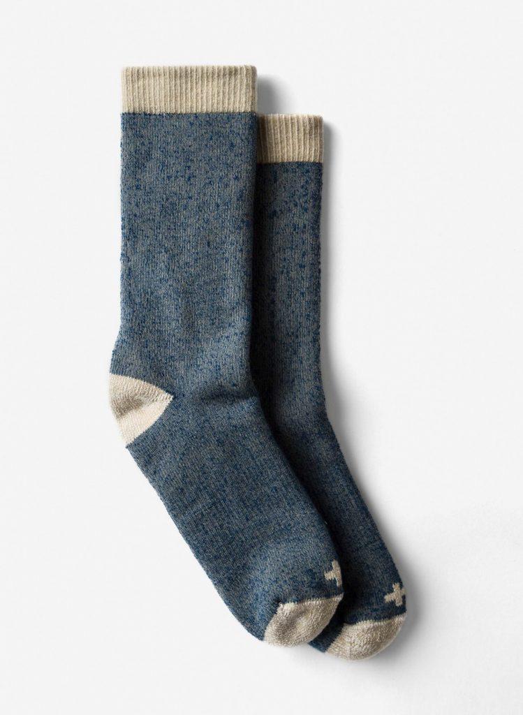 Chaussettes de démarrage en indigo marlé; Photo gracieuseté de imogene + willie