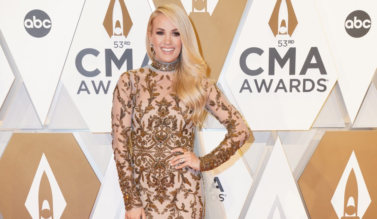 Carrie Underwood Talks Thanksgiving Traditions, Gives Thanks to Family