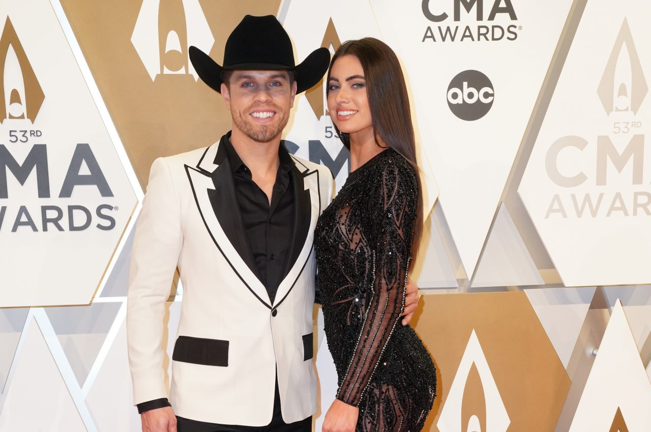 Dustin Lynch Met His Girlfriend By Sliding Into Her DMs