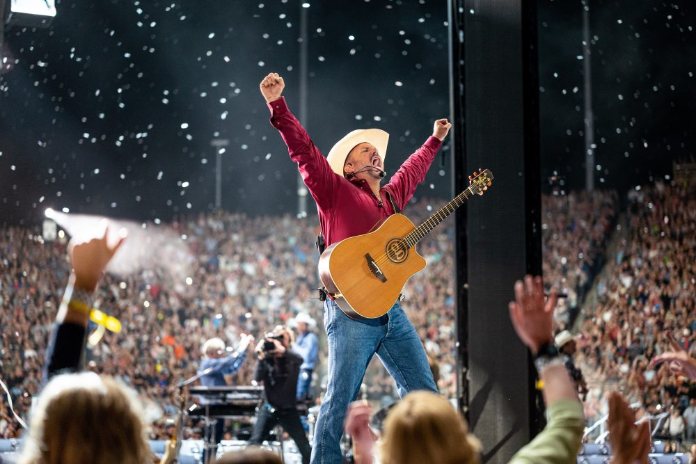 Garth Brooks Reveals Plans to Open Nashville Bar