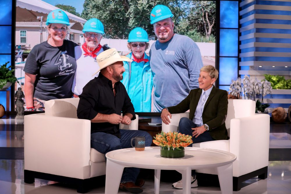 Garth Brooks Talks Halloween on 'Ellen,' Sings 'Callin' Baton Rouge'