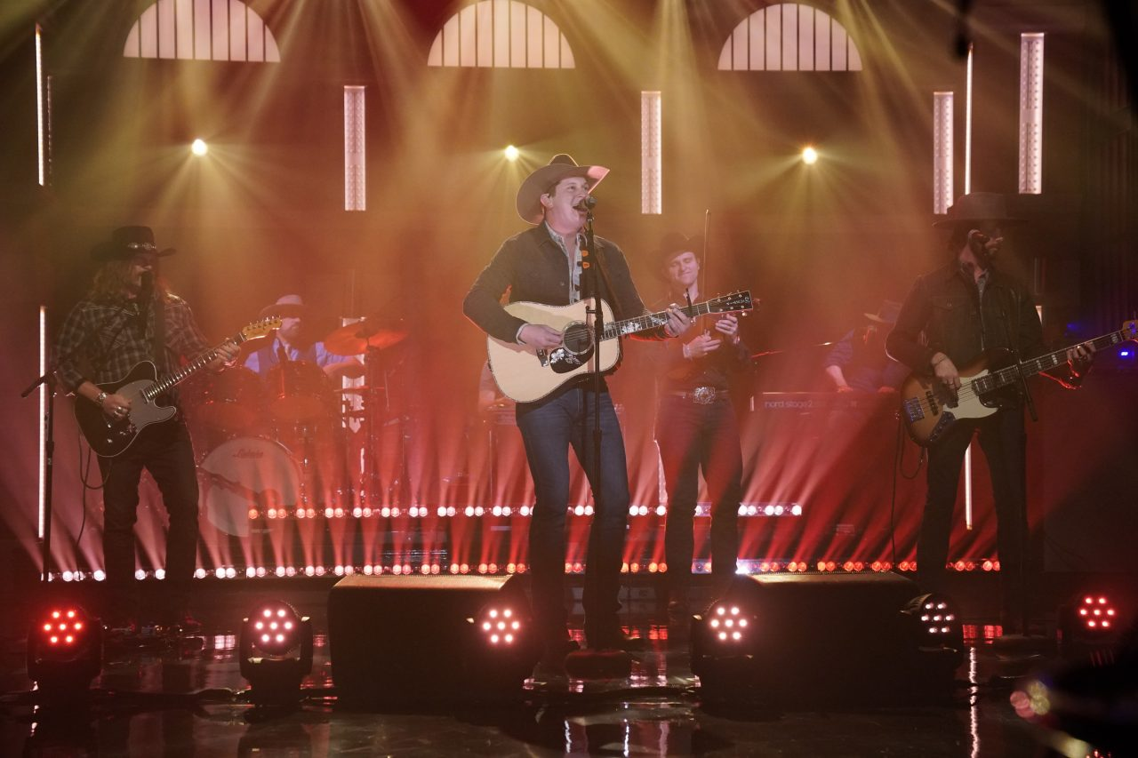 Jon Pardi Takes 'Heartache Medication' to 'Late Night With Seth Meyers'