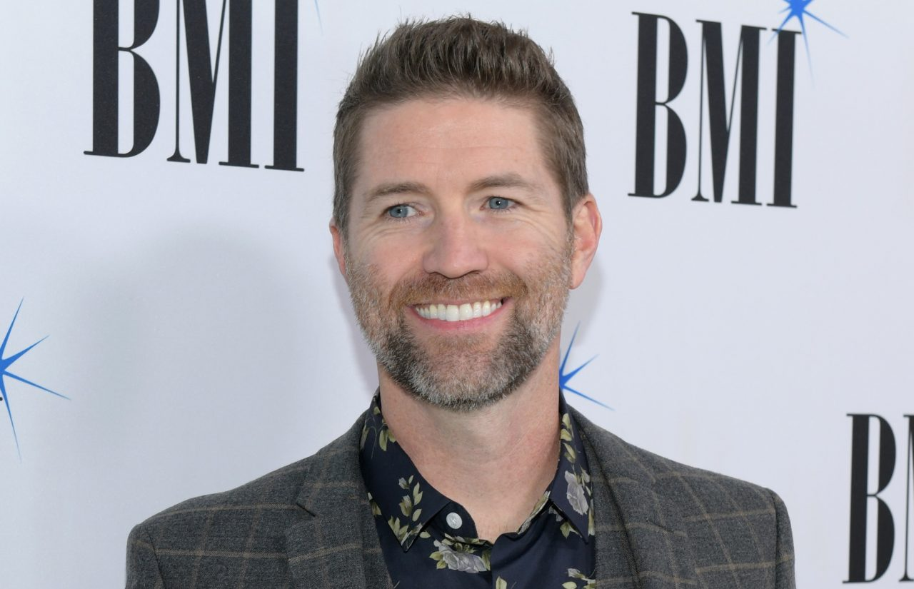 Josh Turner Talks Hunting in the Holiday Season, Dishes on Deviled Eggs