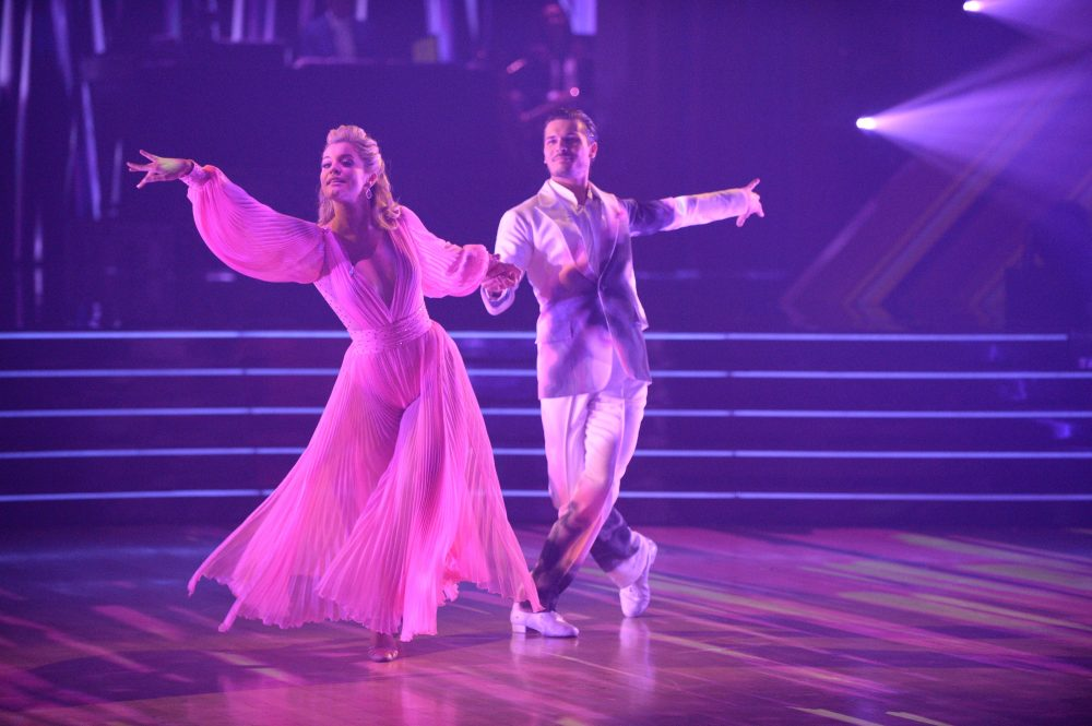 Dancing with the Stars: Lauren Alaina Waltzes to Tim McGraw's 'Humble and Kind'