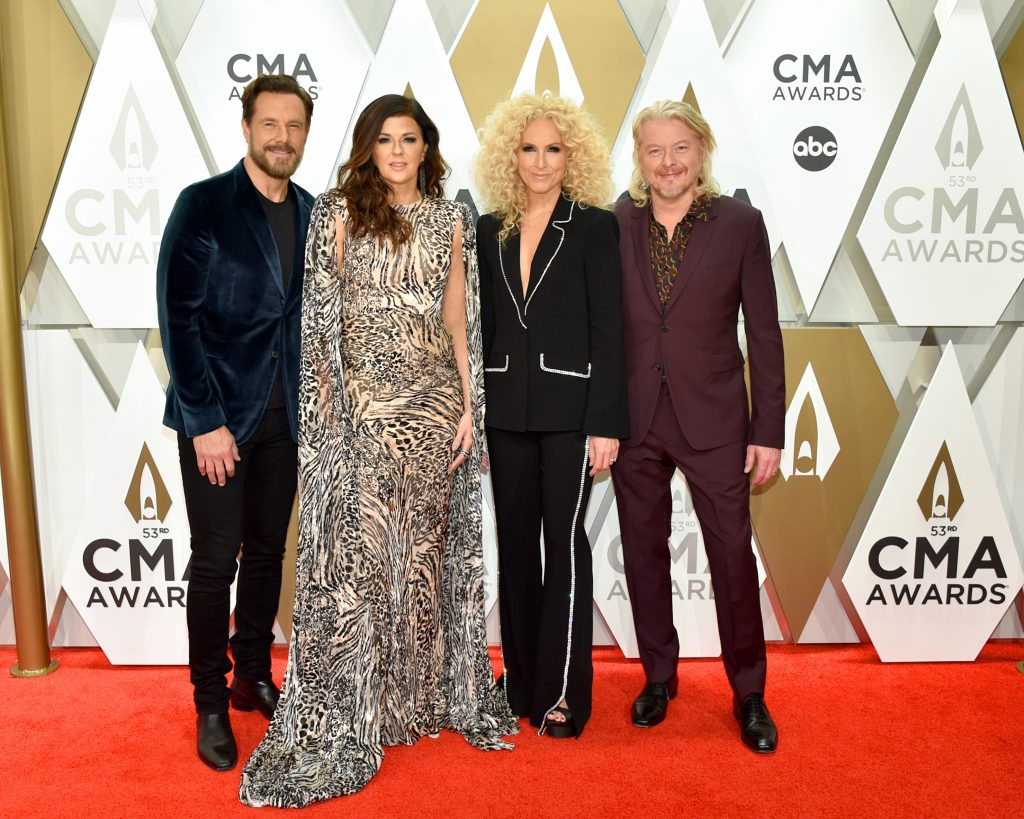 NASHVILLE, TENNESSEE - NOVEMBER 13: (L-R) Jimi Westbrook, Karen Fairchild, Kimberly Schlapman, Phillip Sweet of Little Big Town attend the 53rd annual CMA Awards at the Music City Center on November 13, 2019 in Nashville, Tennessee. (Photo by John Shearer/WireImage,)