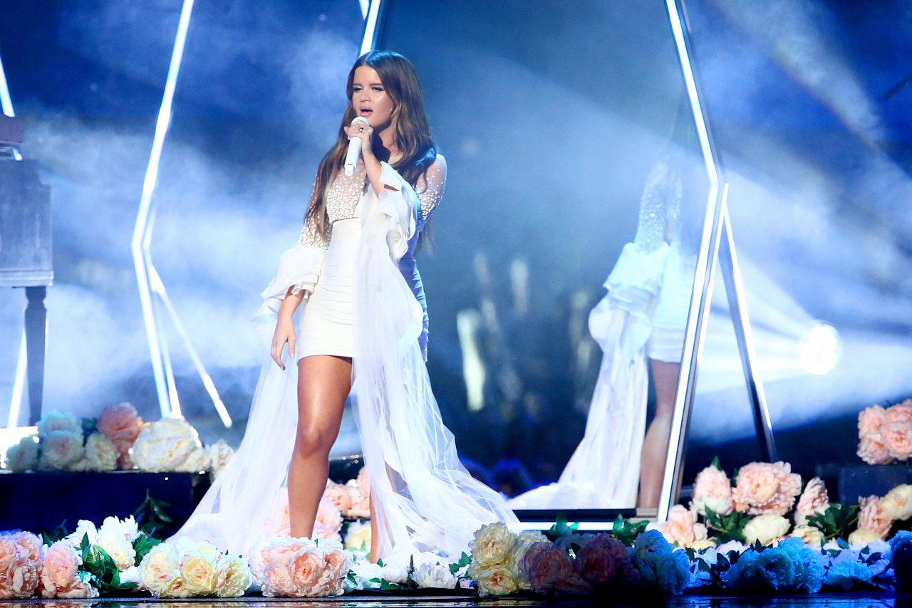 Maren Morris Lifts Up 'Girl' at 2019 CMA Awards