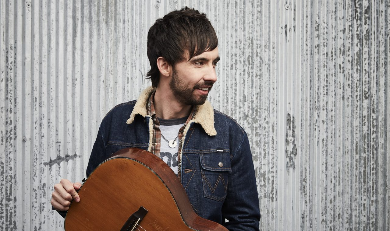 Mo Pitney Shares Sweet Taste of New Album With 'Local Honey'