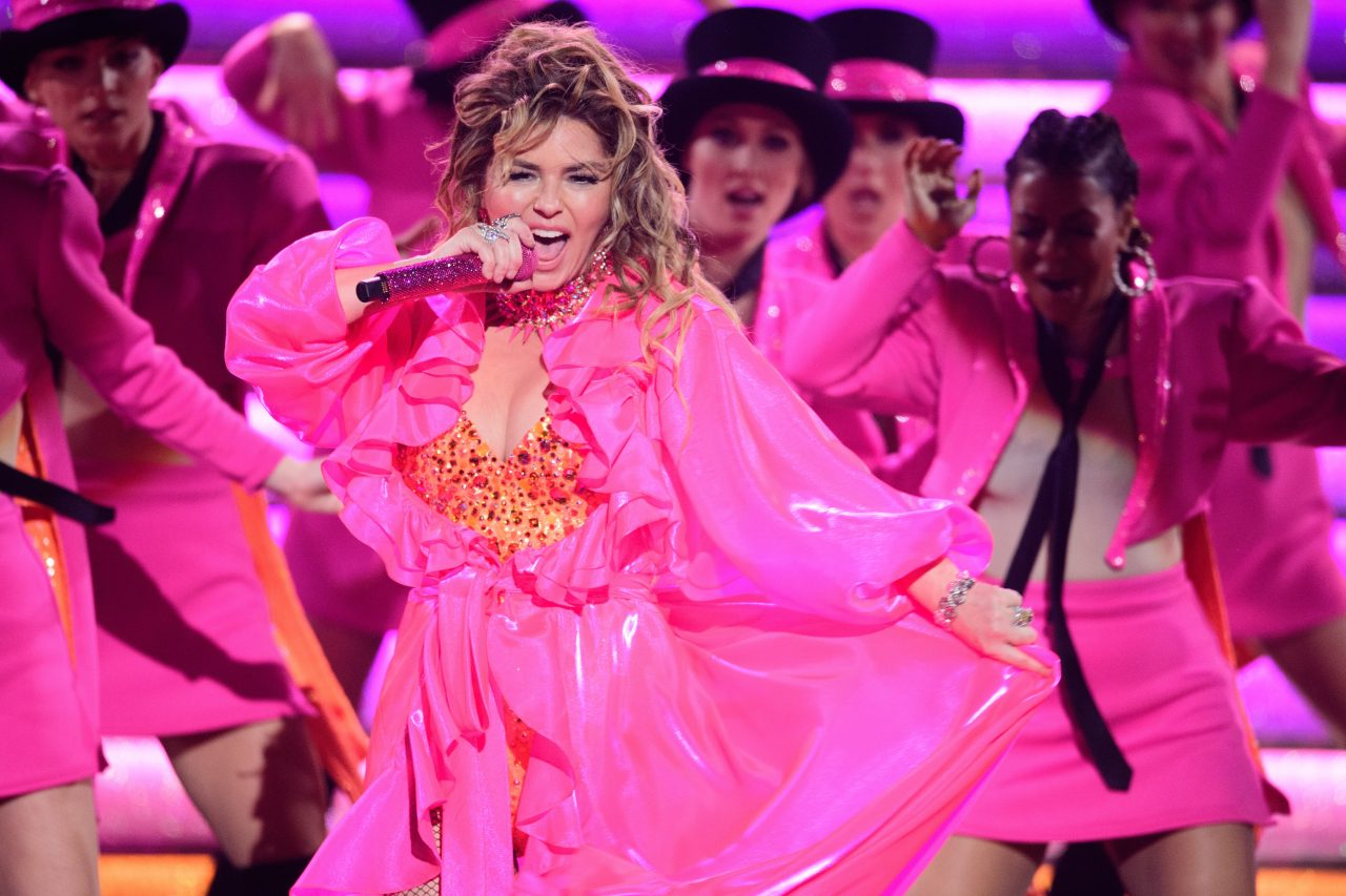 Watch Shania Twain Perform Her Biggest Hits at the AMAs