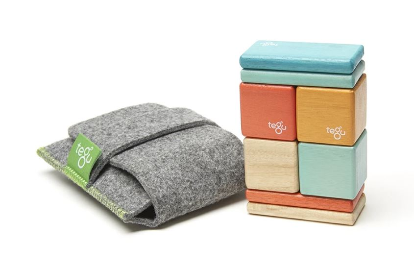 Tegu Original Pocket Pouch; Photo courtesy of The Getalong